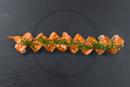 Foto Flamed Salmon Ebi roll